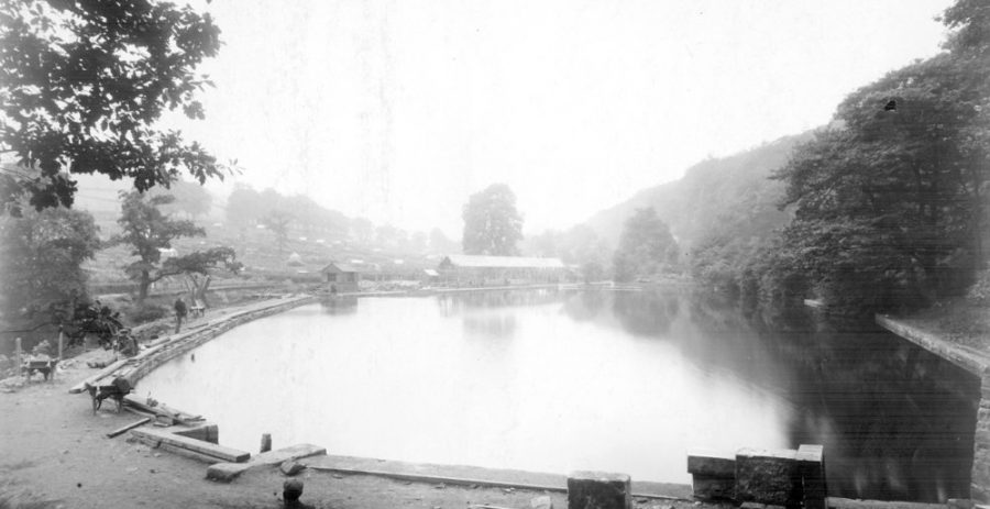 New Dam bathing pool under construction (c. 1910). Sheffield City Council, Libraries Archives